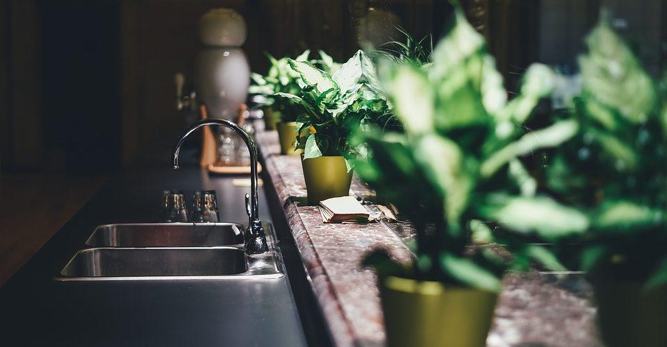 Защо не трябва да се пренебрегва избора на мивка за кухня