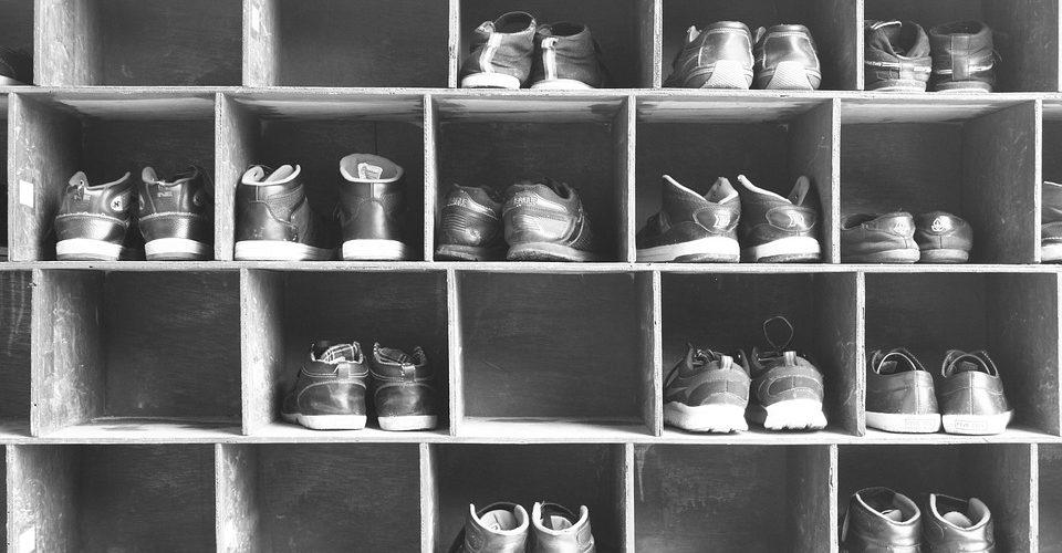 Шкаф за обувки в коридор –необходим за перфектна организация