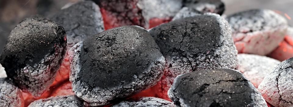 За перфектен вкус на скарата си купете барбекю на дървени въглища